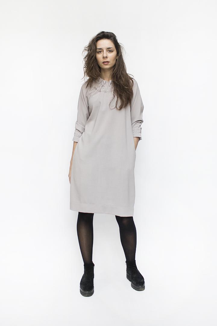 Stilinga suknelė iš vilnos - LinenSheep